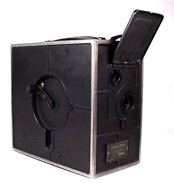 Ciné-Kodak Camera Front and Crank Side View