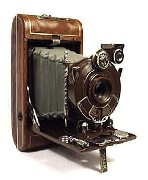 camera and eastman kodak company 1975 - kodak was the first company to build a working digital camera an eastman kodak engineer named steven sasson created the 36kg device that stored images on.